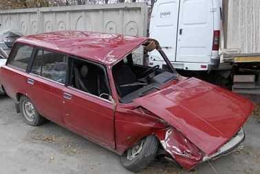 Брянский пенсионер погиб, врезавшись  на легковушке в ограду моста