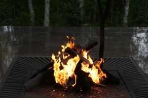 Брянец обжегся на Вечном огне