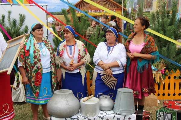На Свенской ярмарке в Брянске продавали нелегальный мёд