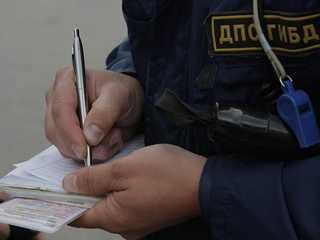 Пойманный пьяным брянский водитель пытался подкупить гаишника