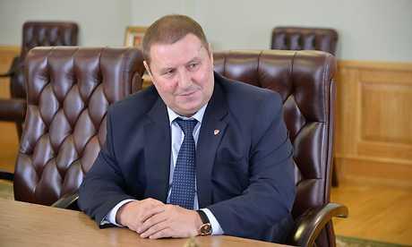 Губернатор велел брату бандита исполнять наказы избирателей