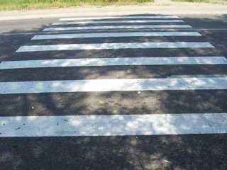 В Брянске пешеход на «зебре» угодила под колёса «Нивы»