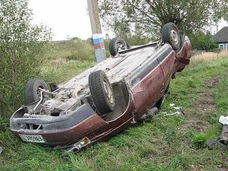 В Гордеевском районе перевернулся «Ауди», у которого взорвалось колесо