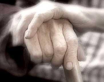 Под суд отправили брянского старика, задушившего инвалида