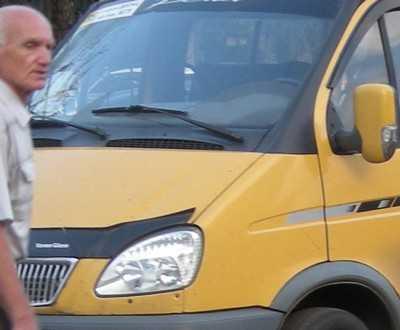 В Брянске маршрутка с пассажирами врезалась в «Фольксваген»
