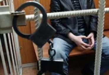В Брянске задержали педофила, развращавшего четырёх девочек