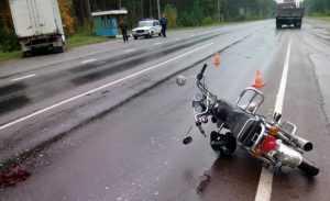 В Дятьковском районе автомобилист протаранил скутериста