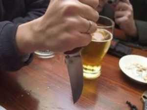 Житель Брянска  зарезал собутыльника