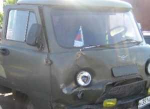 На брянской трассе  «УАЗ» протаранил «Фольксваген» — пострадали четверо