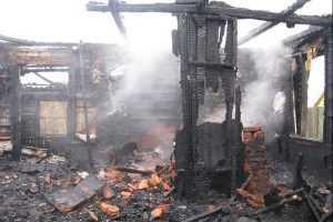 В суражской деревне сгорели мужчина и женщина