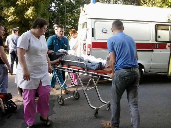 В Сураже водитель врезался в дом, скрываясь от полиции