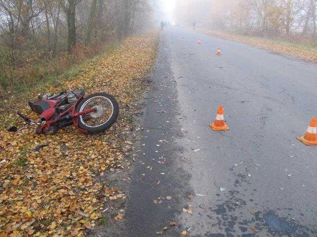 В Клинцовском районе мотоциклист столкнулся в двумя автомобилями
