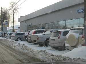 Убирать снег в Брянске будут 132 машины – вдвое меньше нужного