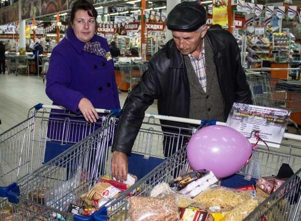 В Брянске собрали продукты для пострадавших от наводнения хабаровчан
