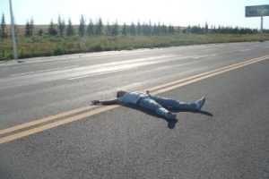В Суражском районе машина задавила лежавшего на дороге пьянчугу