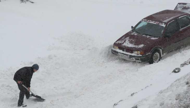 Главному брянскому дорожнику убирать снег помогут космические силы