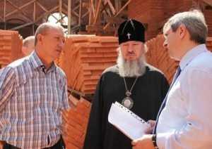 В брянском Успенском соборе установят иконостас высотой 22 метра