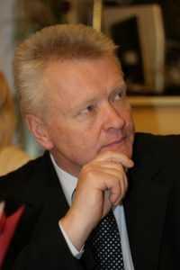 Злоключение брянского депутата Юрия Петрухина объяснили нервным срывом