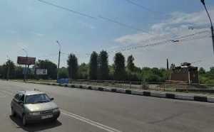 На проспекте Московском в Брянске микроавтобус сбил на «зебре» двоих пешеходов