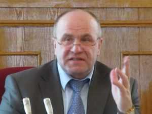 Брянские депутаты обвинили друг друга во лжи по поводу слияния школ
