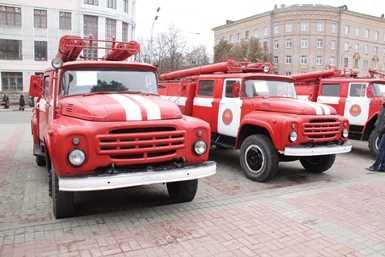Брянским  пожарным-добровольцам  передали  спецтехнику