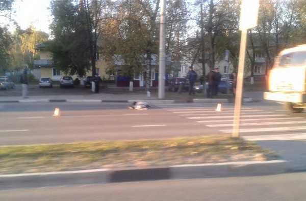 В Брянске грузовик переехал женщину около «зебры», где сбили Сиваковых