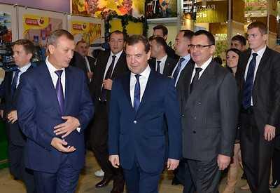 На встрече с Медведевым Денин пожаловался на небеса и дороги