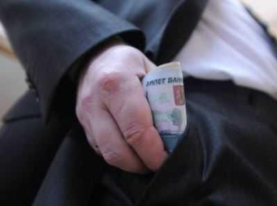 Главу красногорского сельского поселения будут судить за взятку