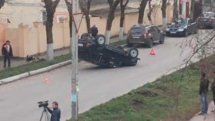 В Брянске «Нива» перевернулась  после столкновения с «Хендэ»