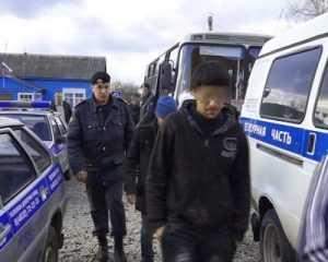 В Кокоревке брянская полиция задержала 14 таджиков-нелегалов