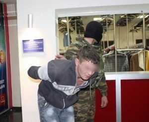 В брянском клубе «Велес» выявили наркоманов, пьяниц, «малолеток»