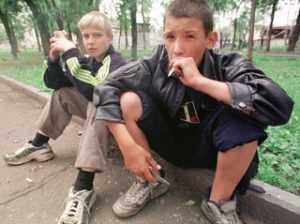 Четверо брянских подростков пытались покончить с собой, один погиб