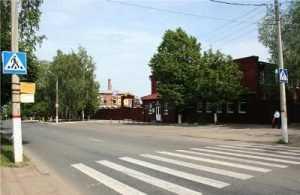 Юная жительница Карачева попала под грузовик на «зебре»