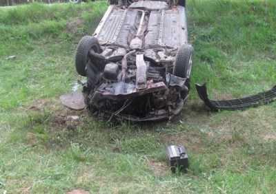 В Почепском районе на одной трассе два автомобиля улетели в кювет