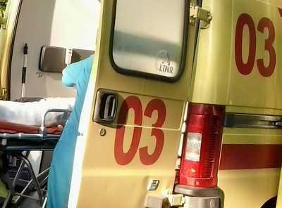 Жительнице Брянска сломал ногу автомобиль, вылетевший на тротуар