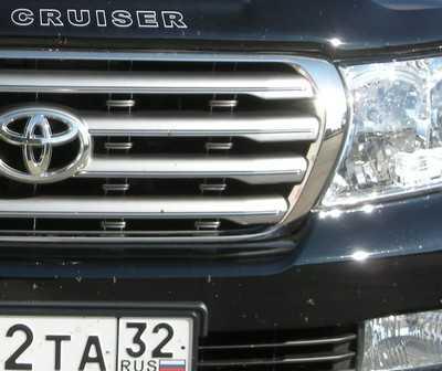 В брянской Стари водитель «Ленд Крузера» покалечил парня и скрылся