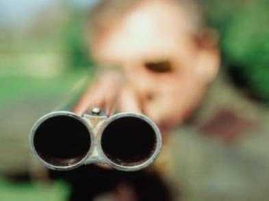 Брянец, простреливший ноги приятелю, может сесть на восемь лет