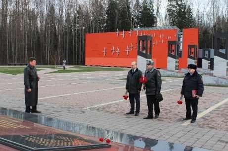 Брянская полиция передала в музей «Хацуни» ручной пулемёт Дегтярёва