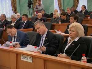 Брянские власти приняли бюджет нищеты-2014