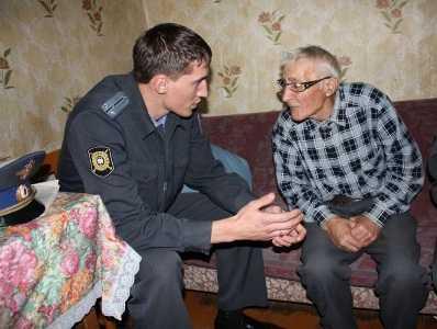 Брянская полиция поймала воровок, обокравших  старика