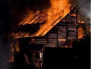 В брянской деревне Сельцо при пожаре погибли два человека