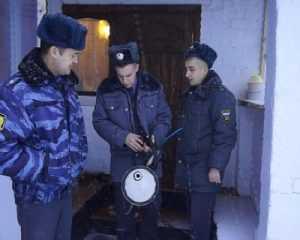 В трубчевском посёлке полиция выявила семерых самогонщиков