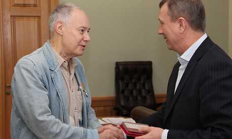 Корчагину и Шарапову брянский губернатор вручил медаль