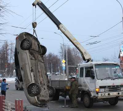Брянская автомобилистка лихо перевернула свой «Рено»