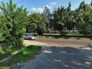 В Брянске иномарка врезалась в маршрутку – пострадали две девушки