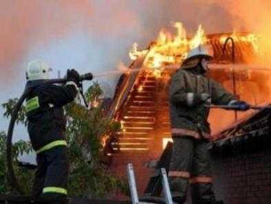В Брянске cгорела часть бани