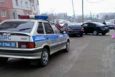 Безопасность брянских пешеходов снизили дороги и их освещенность