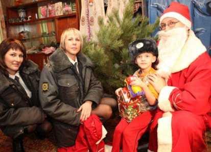 """""""Полицейский Дед Мороз""""  подарит праздник брянским детям"""