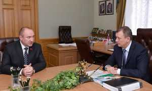 Брянский губернатор провел комфортную встречу со строителем сада