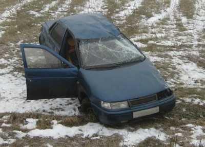 В Погарском районе юный водитель перевернул «Ладу»